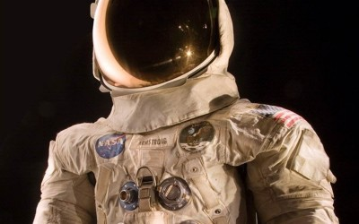 Smithsonian launches crowdfunding for Armstrong's spacesuit restoration
